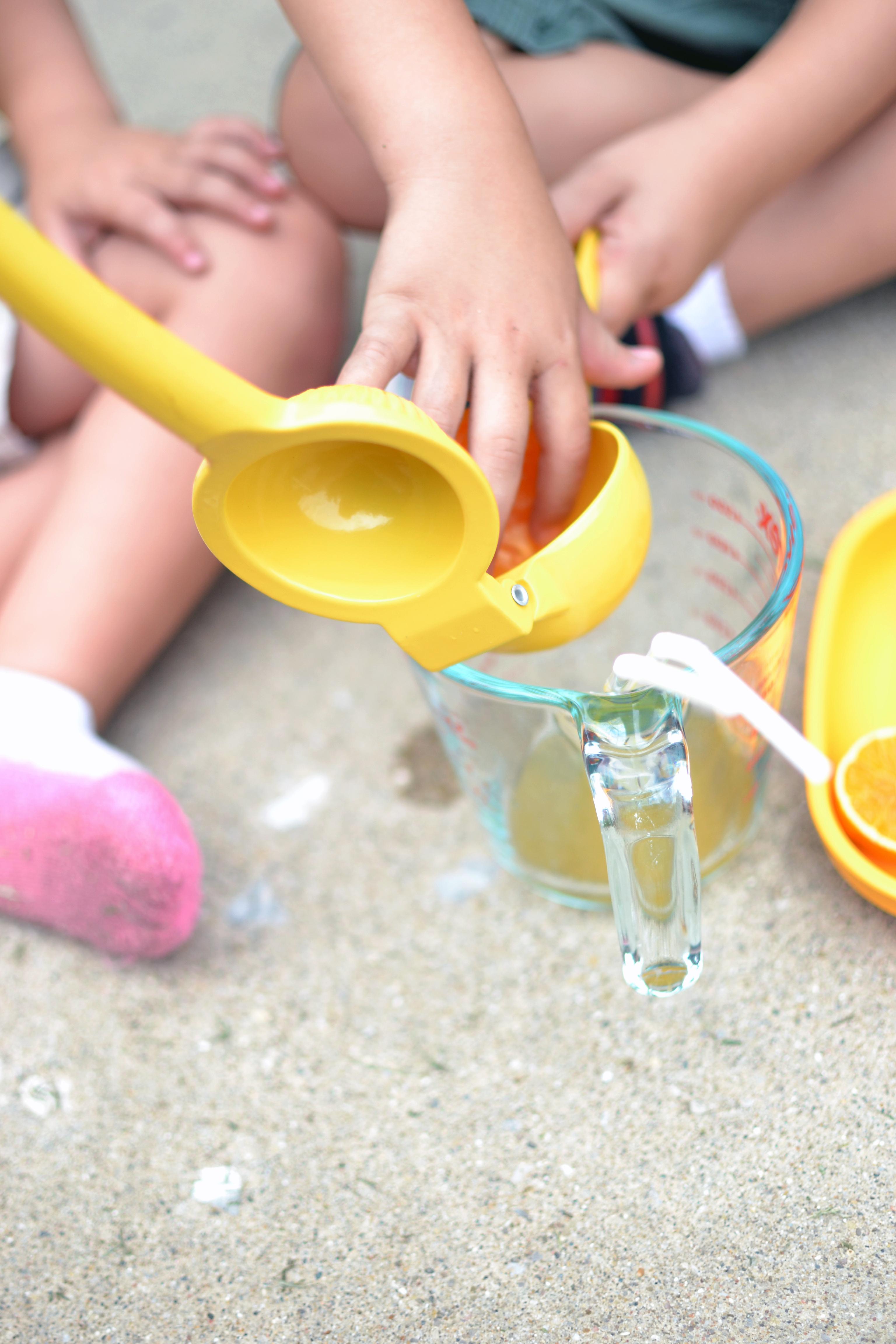 Easy toddler summer activity